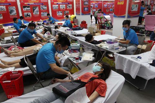 Đoàn viên thanh niên TP.HCM tham gia hiến máu tình nguyện