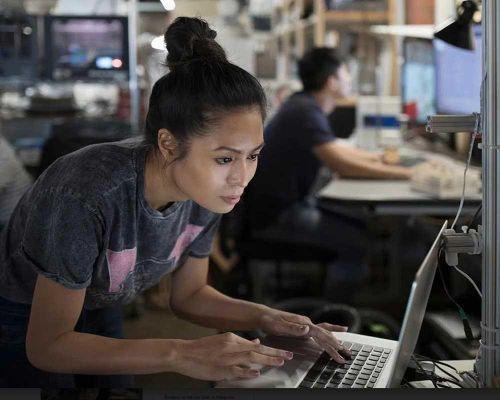 Ericsson ra mắt hai giải pháp dựa trên trí tuệ nhân tạo bảo đảm an toàn cho hệ thống mạng