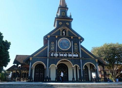 Ngôi nhà thờ gỗ hơn 100 tuổi giữa đại ngàn Tây Nguyên