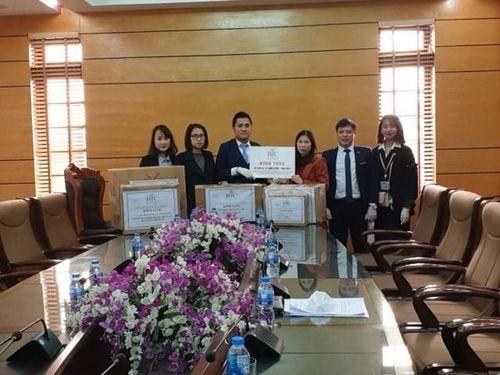 Tập đoàn BIC tặng trang, thiết bị phòng chống Covid-19 cho người dân Vĩnh Phúc