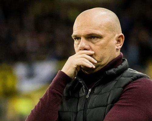 HLV Heerenveen chịu chỉ trích sau chuỗi trận không thắng