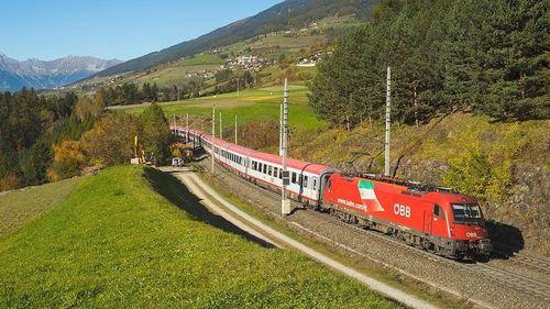 Áo đình chỉ dịch vụ tàu hỏa đến Italy do nghi có khách nhiễm Covid-19