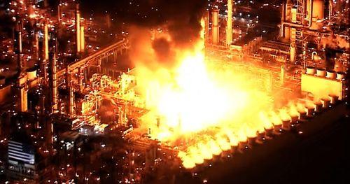 Nổ lớn làm rung chuyển nhà máy lọc dầu lớn nhất Bờ Tây nước Mỹ