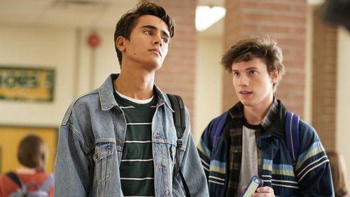 Phim đồng tính ăn theo 'Love, Simon' bị loại khỏi Disney+