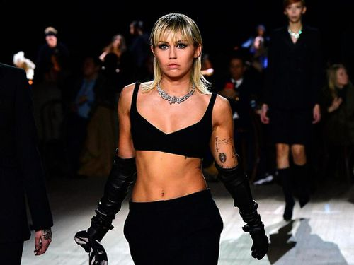Miley Cyrus lại nổi loạn?