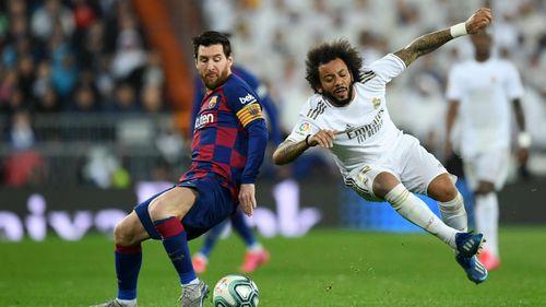 Marcelo đánh bại Messi với pha tắc bóng đẳng cấp
