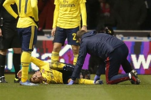 Tiền vệ Arsenal dính chấn thương kinh hoàng