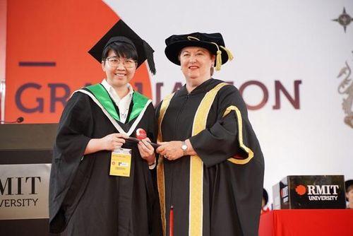 Nữ thủ khoa ngành Công nghệ thông tin RMIT chia sẻ bí quyết học tốt