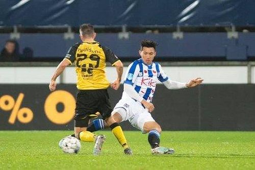 Văn Hậu dính chấn thương trong ngày Jong Heerenveen thắng 9-1