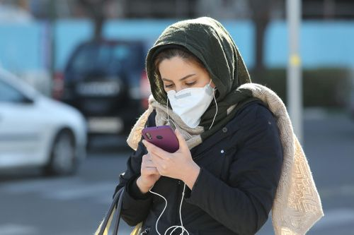 Hơn 20 quan chức nhiễm virus corona, Iran đối mặt thảm họa?