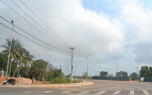 Quảng Trị: Đường giao thông chồng lên di tích