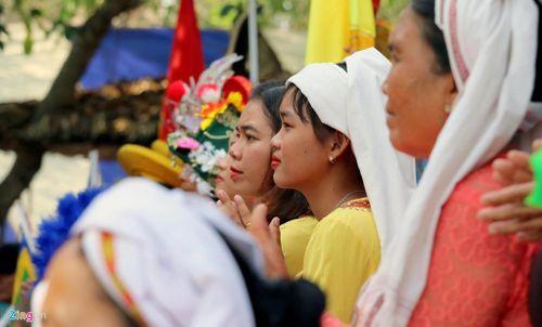 Dừng lễ hội Tháp Bà Ponagar vì dịch Covid-19