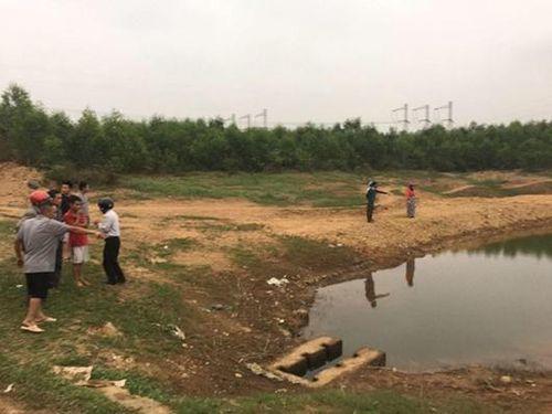 Quảng Trị: Hai học sinh đuối nước thương tâm do trượt chân khi ra hồ chơi