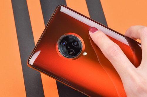 Smartphone cấu hình 'siêu khủng', kết nối 5G sạc siêu tốc, giá gần 17 triệu
