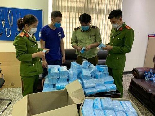 Thu giữ hàng loạt thiết bị y tế không rõ nguồn gốc xuất xứ tại Hà Nam và Hà Nội