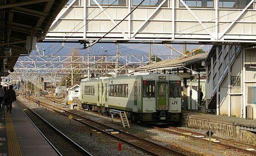 Nhật Bản sẽ giới thiệu công nghệ không dây vào vận hành đoàn tàu
