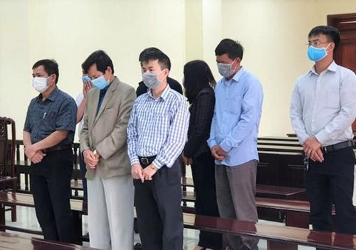 Cựu trưởng đoàn thanh tra tỉnh Thanh Hóa lĩnh 40 tháng tù