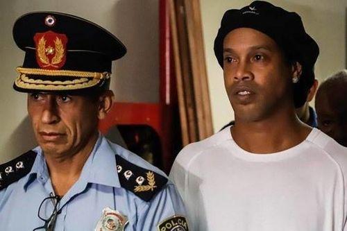 Cuộc điều tra Ronaldinho nóng lên vì nghi án rửa tiền