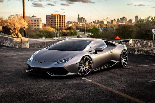 Siêu xe Lamborghini Huracan đầu tiên thế giới dùng hộp số sàn