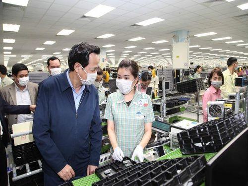 1.458 chuyên gia, kỹ sư Samsung, LG… được cách ly ở khách sạn
