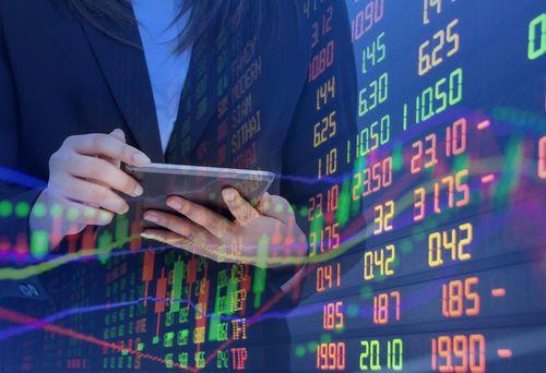 Chứng khoán lao dốc, các doanh nghiệp và lãnh đạo đăng ký mua vào 3.500 tỷ đồng