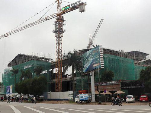 Xây công trình làm nứt nhà dân nhưng chậm bồi thường