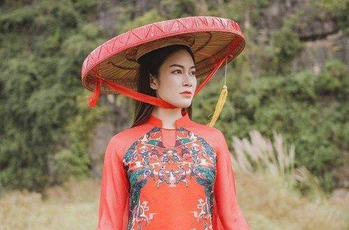 Miss Áo dài Tuyết Nga: 'Gọi tôi là ca sĩ hay Hoa hậu đều được'