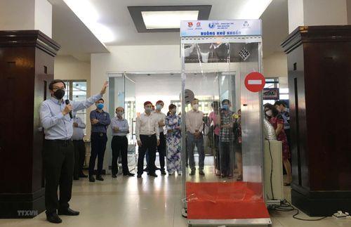 Bộ GD-ĐT sẽ khen thưởng các nhóm nghiên cứu sản phẩm phòng chống dịch