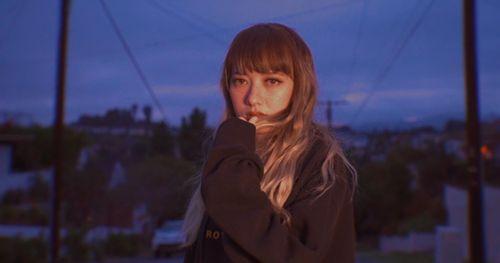 Xuân Nghi tình tứ với bạn trai trong MV mới