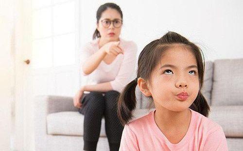 Trẻ răm rắp nghe lời là ẩn chứa những vấn đề tâm lý