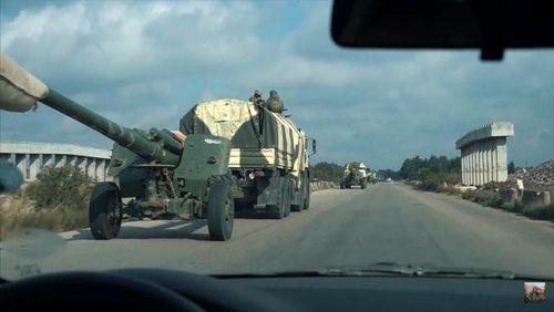 Quân đội Nga – Syria kéo vũ khí hạng nặng tới Idlib, phái đoàn Mỹ bị ép quay đầu