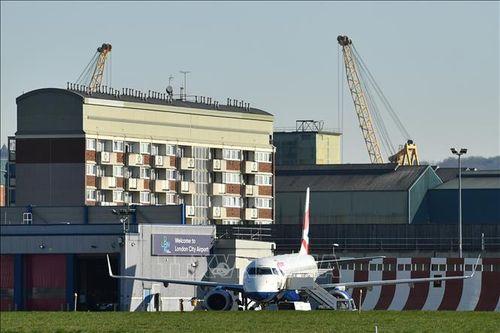 Sân bay London City của Anh và Orly của Pháp ngừng hoạt động