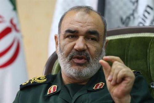 Tư lệnh Vệ binh Iran bất ngờ muốn giúp Mỹ chống đại dịch Covid-19