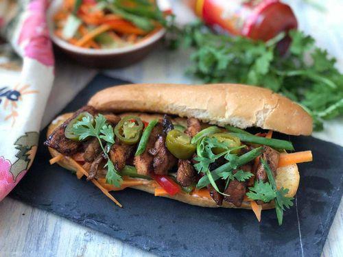 Bánh mì kẹp Việt Nam – Món ăn đường phố vang danh thế giới