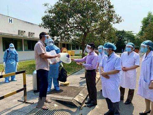 Du khách Anh từng đến nhiều nơi tại Hà Nội đã được điều trị khỏi Covid-19