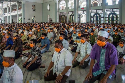Indonesia cách ly hơn 180 tín đồ Hồi giáo đã dự lễ hành hương