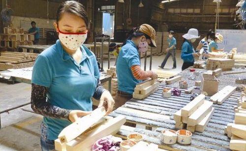 Đưa sản phẩm gỗ nội thất lên sàn thương mại điện tử