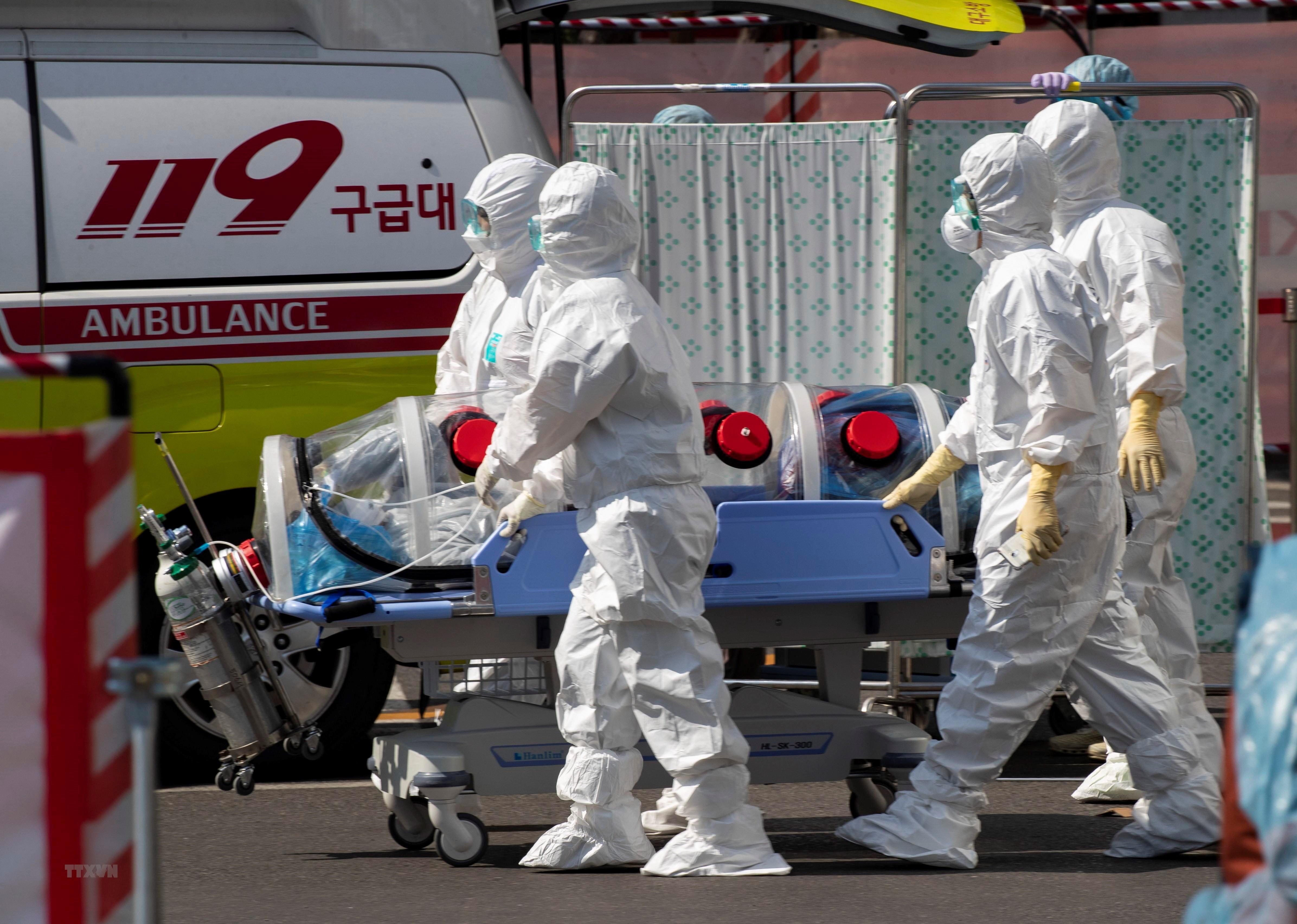 Hàn Quốc ghi nhận số ca mắc COVID-19 vượt ngưỡng 10.000 người