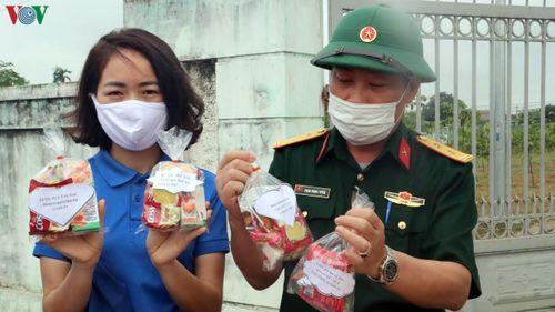 Tuổi trẻ Nghệ An 'mổ' lợn tiết kiệm mua quà… gửi vào khu cách ly
