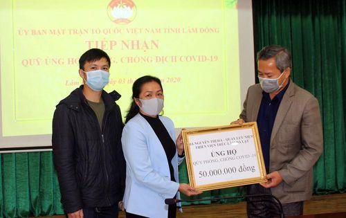 Lâm Đồng: Trẻ đập heo đất, già trút ống tiết kiệm ủng hộ phòng chống dịch COVID-19