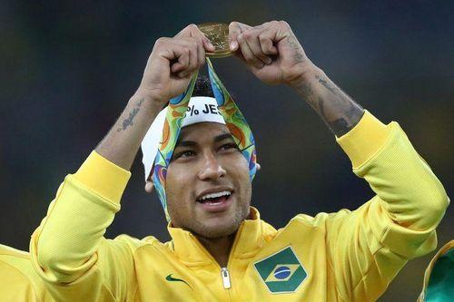 FIFA xem xét tăng tuổi dự môn bóng đá nam Olympic Tokyo