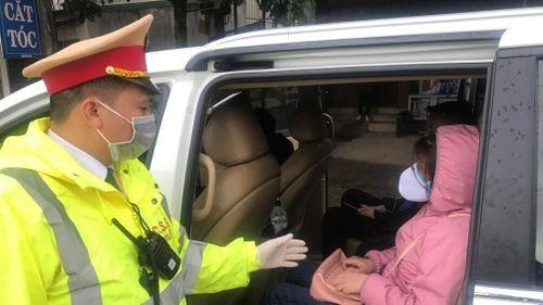 Lạng Sơn: Bất chấp quy định, nhiều xe khách vẫn hoạt động trong mùa dịch