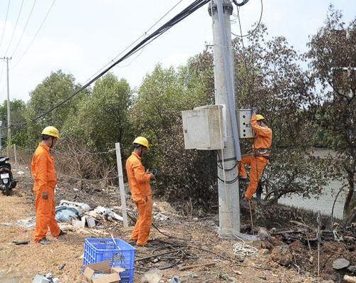 Giảm 10% giá điện cho người dân và DN trong 3 tháng