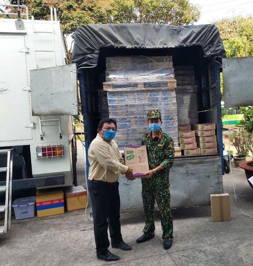 Vinasoy và hành trình trao triệu hộp sữa thay triệu lời chúc an lành