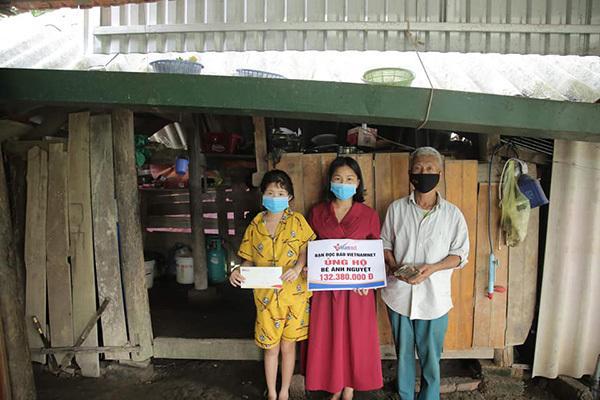 Bé gái bị trâu húc ở Hà Tĩnh nhận được hơn 200 triệu đồng