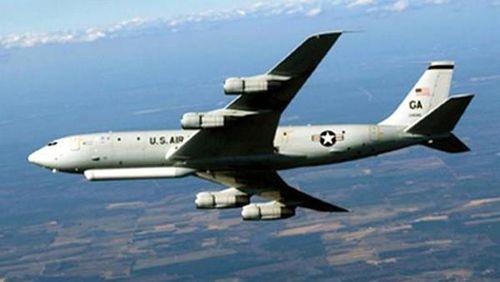 Máy bay quân đội Mỹ bay trên không phận Hàn Quốc