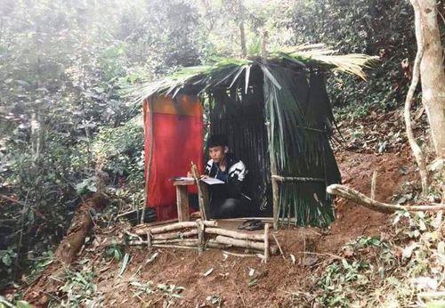 Xúc động học trò nghèo vùng cao 'vớt' sóng học trực tuyến mùa dịch COVID-19