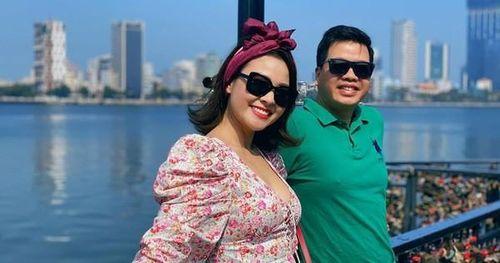 Soi tủ đồ hiệu của vợ 'ông hoàng nhạc đỏ' Đăng Dương