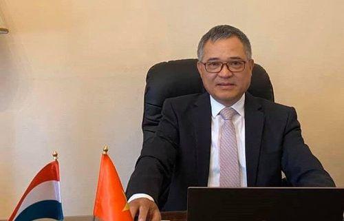 Đại sứ Nguyễn Tiến Thức gửi thư kêu gọi bà con cùng nhau an toàn vượt qua đại dịch tại Hungary