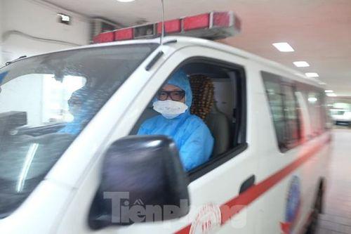 24 giờ không ngủ của y bác sĩ cấp cứu 115 Hà Nội